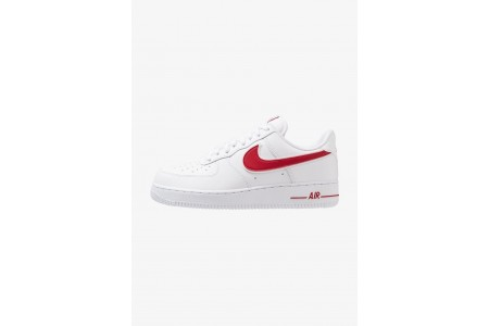 Nike AIR FORCE 1 '07 - Baskets basses white/gym red pas cher