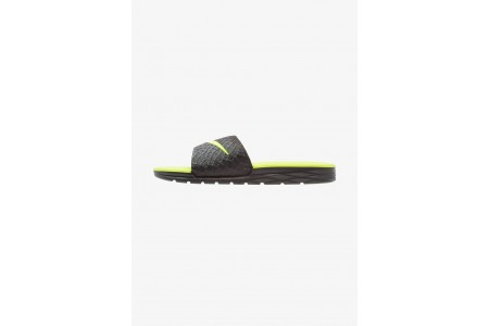 Black Friday 2020 | Nike BENASSI SOLARSOFT - Mules black/volt pas cher