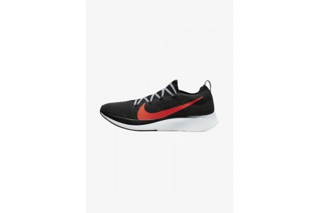 Nike ZOOM FLY FK - Chaussures de running neutres black/grey/red pas cher