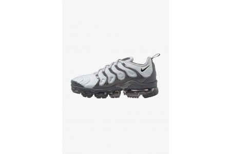 Black Friday 2020 | Nike AIR VAPORMAX PLUS - Baskets basses wolf grey/black/dark grey pas cher
