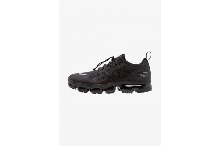 Nike AIR VAPORMAX RUN UTILITY - Chaussures de running neutres black/reflect silver pas cher