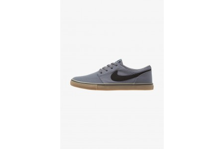 Nike PORTMORE II SS CNVS - Baskets basses dark grey/black/light brown pas cher