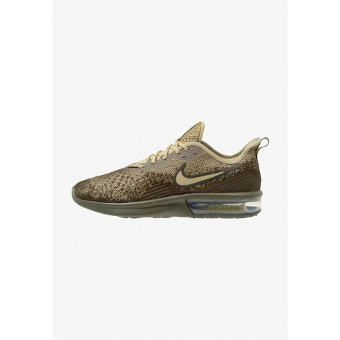 Nike AIR MAX SEQUENT 4 - Chaussures de running neutres cargo khaki/neutral olive/peat moss/sequoia pas cher