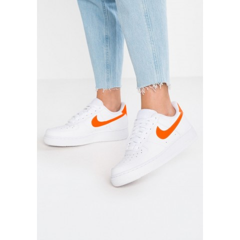 Nike AIR FORCE 1'07 - Baskets basses white/total orange pas cher